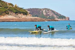 cours de surf à Locquirec, Bretagne